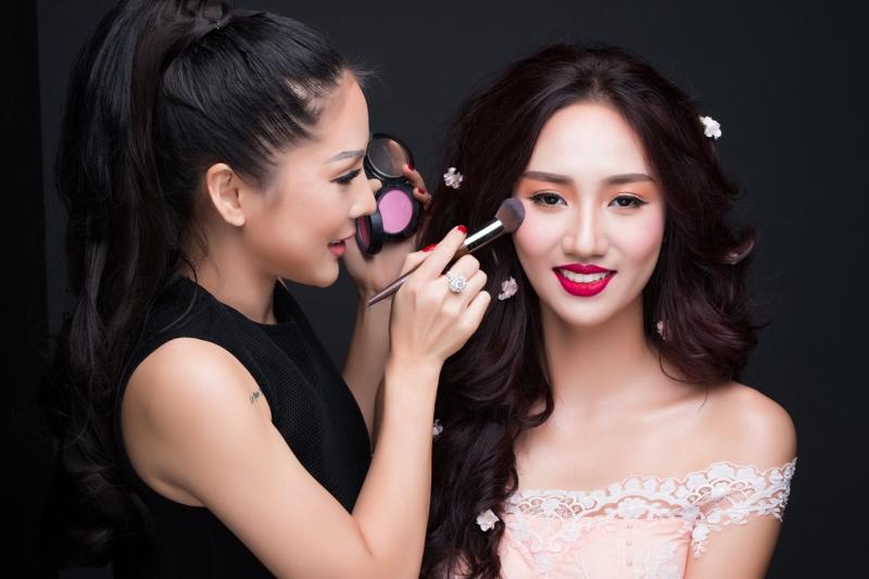 Cơ hội rộng mở khi học ngành Chăm sóc sắc đẹp tại HPC